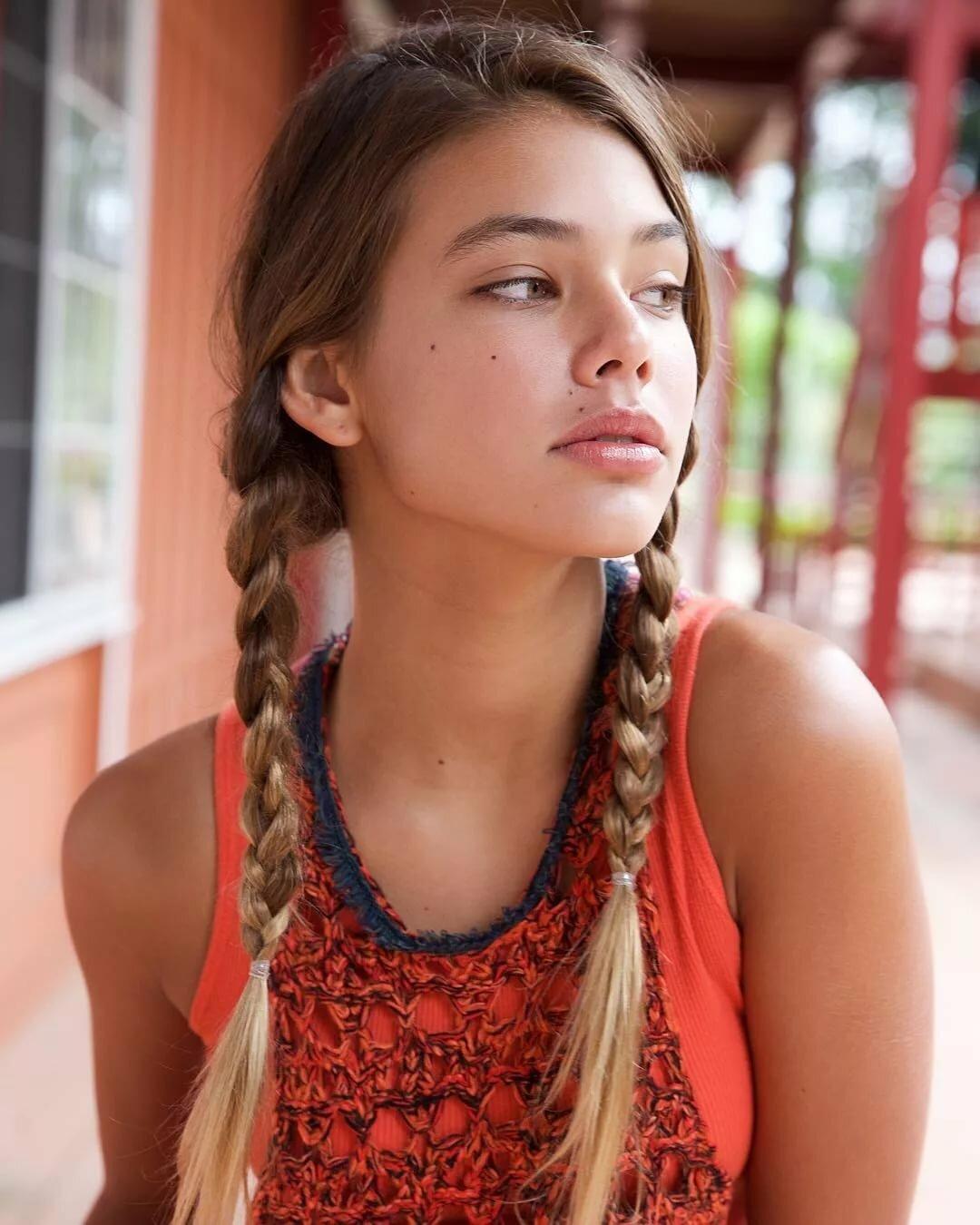 Beautiful young teen girl por — pic 5