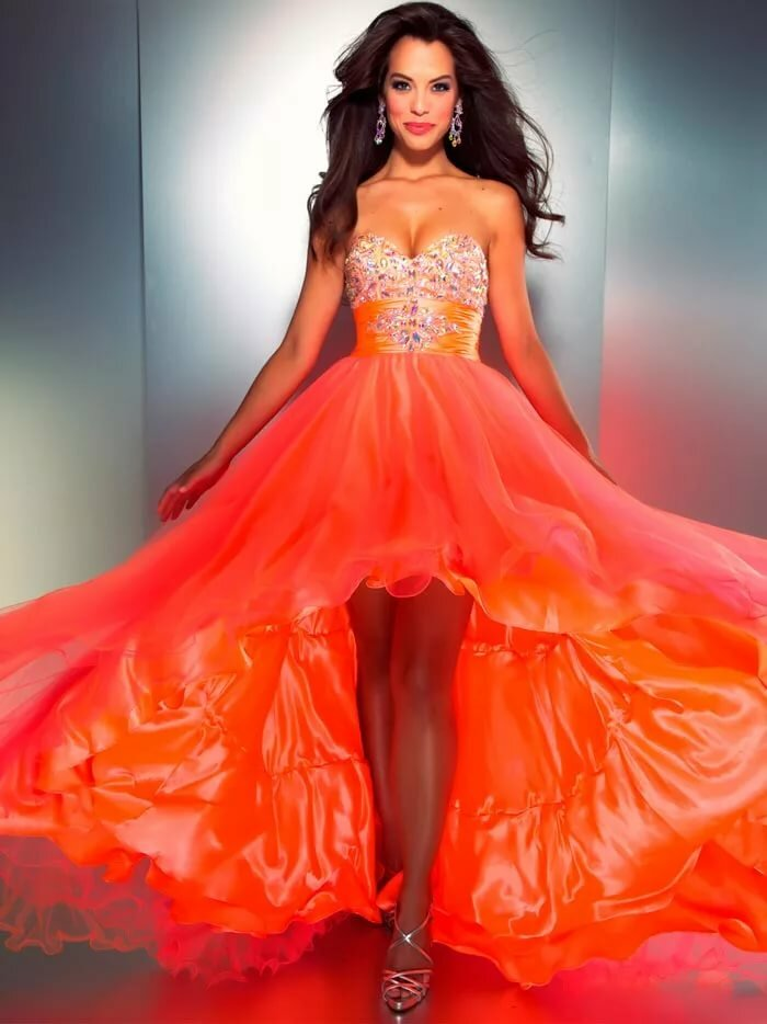 фото представлена картинка классного платья два
