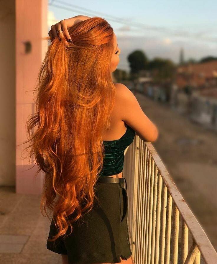Девушка с рыжими длинными волосами вид сзади #10