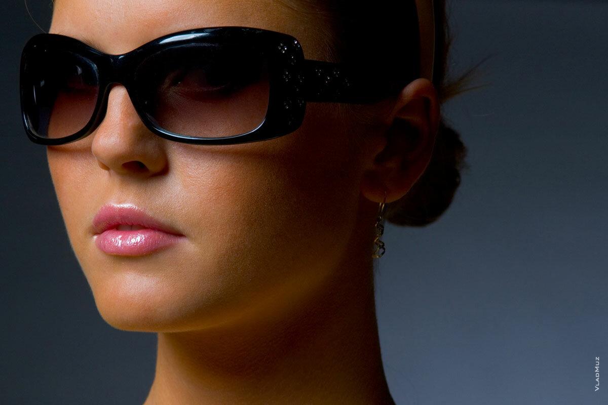 учитывать при фото в очках и без было