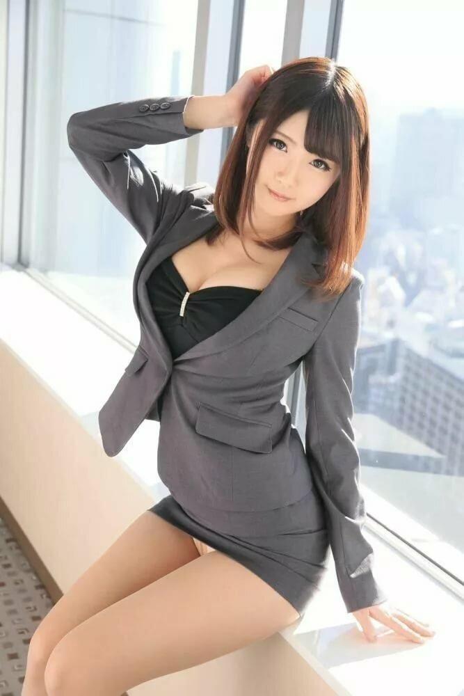 Asian babe secretary — photo 15