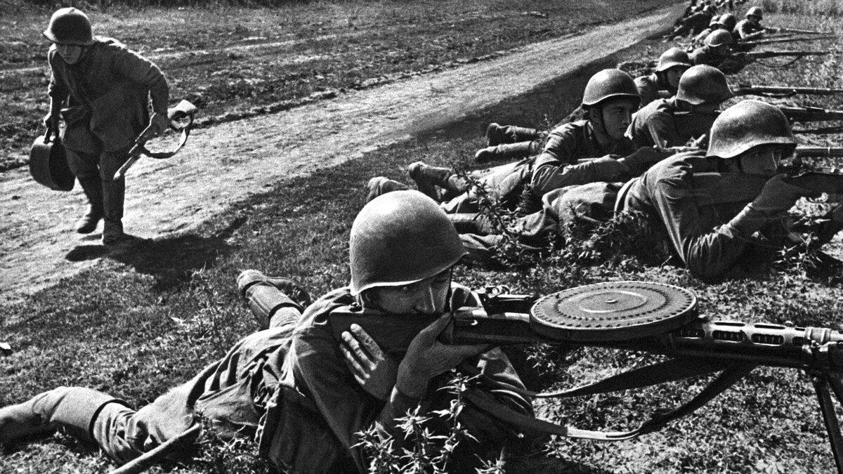 Картинки военные фотографии великой отечественной войны, флагами
