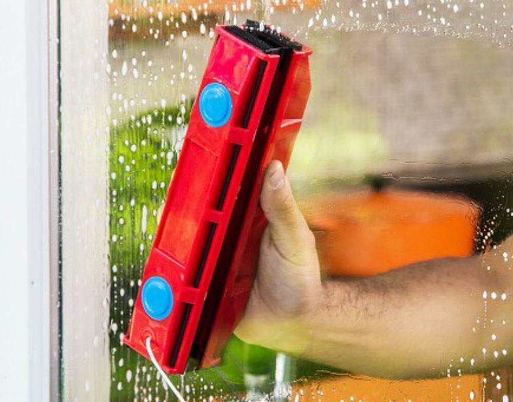 MAGNETIC BRUSH Магнитная щетка для мытья окон в Горнозаводске
