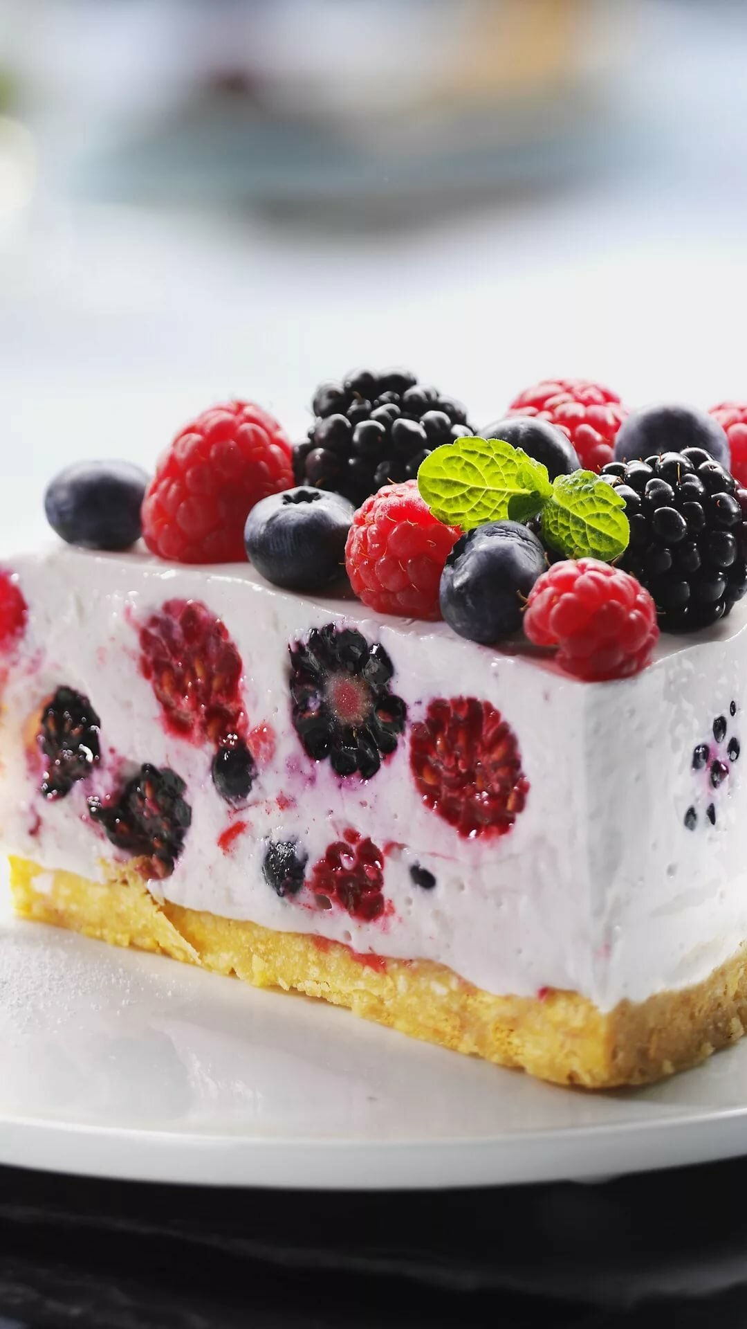 Поздравления с днем рождения картинки с тортом