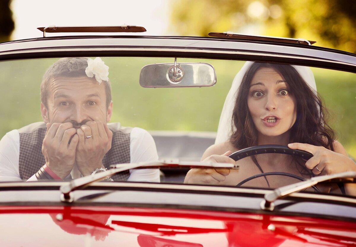 Открытки с женщиной за рулем