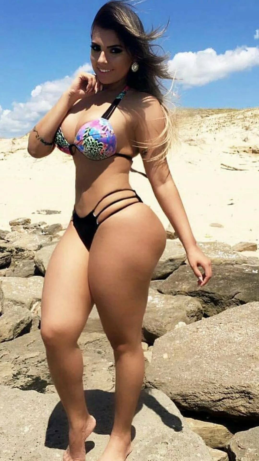beautiful-mexican-women-in-bikini