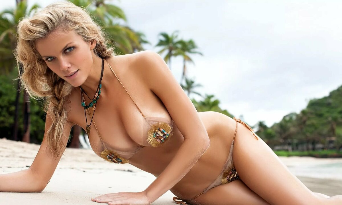 En brooklyn decker naked