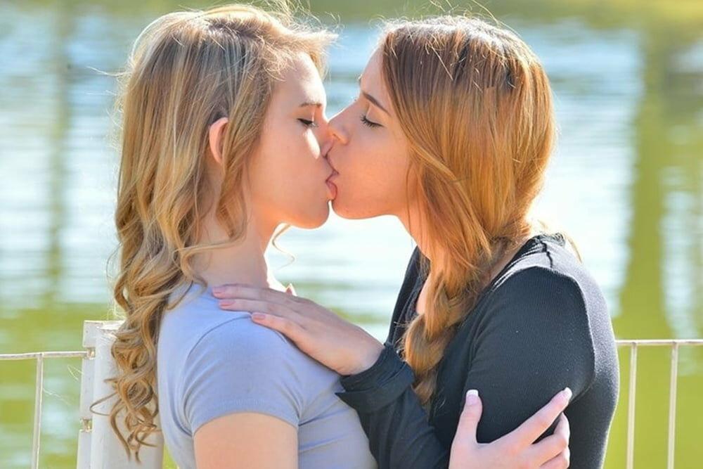 Cute teen lesbians kissing