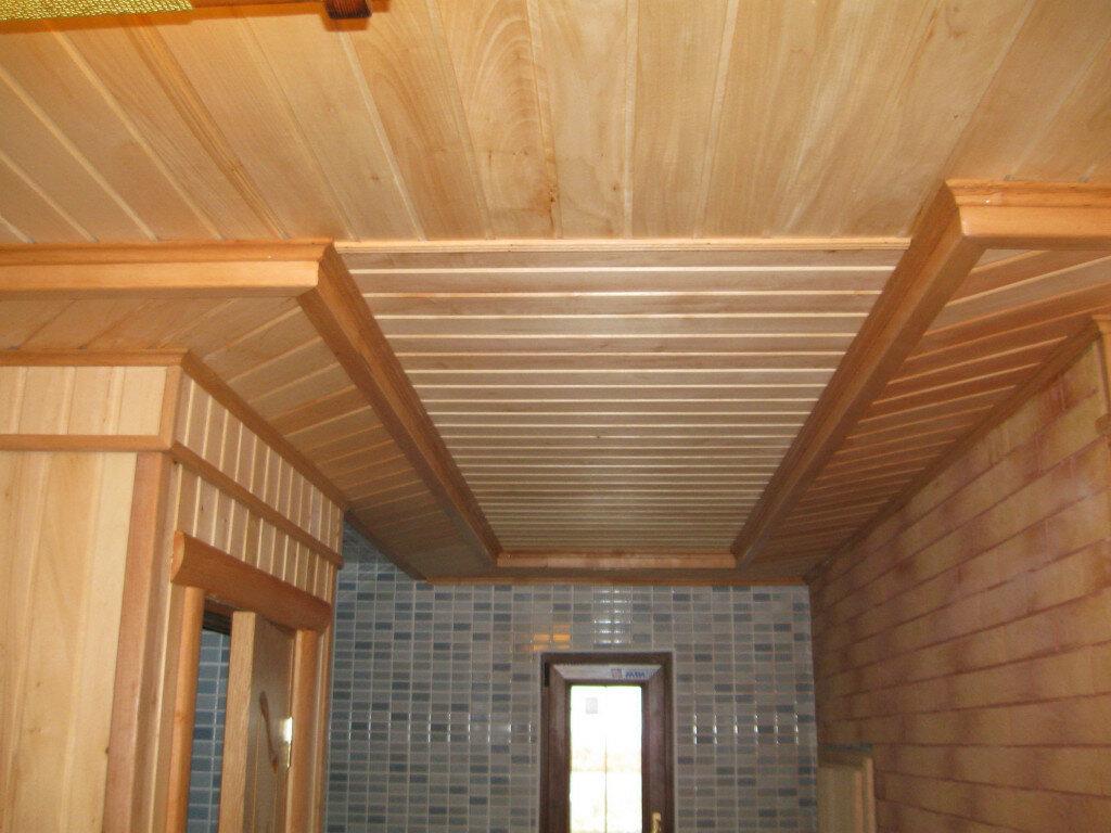 двухуровневые потолки из вагонки фото