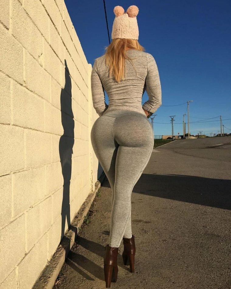 Огромный женский зад фото — photo 2