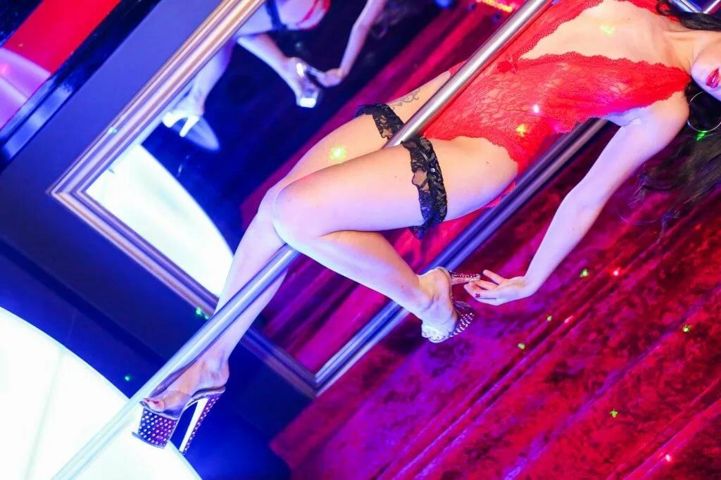 striptizershu-ebut-smotret-onlayn
