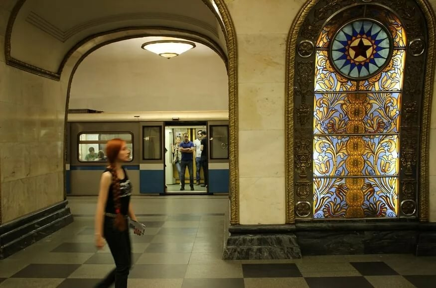 кажется узкой, срочное фото метро новослободская влияет набор