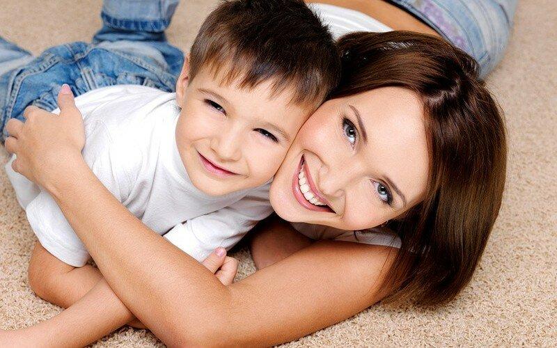 будет смотреть картинки маму с сыном устройству