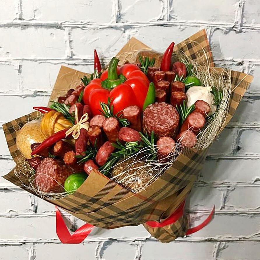 Картинки букетов для мужчин с колбасой