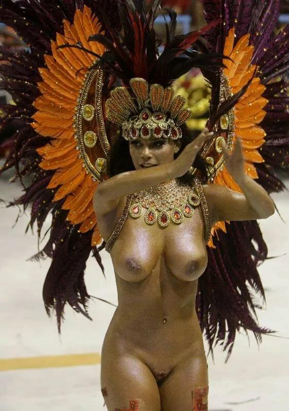 видео голых девушек на бразильском карнавале - 12