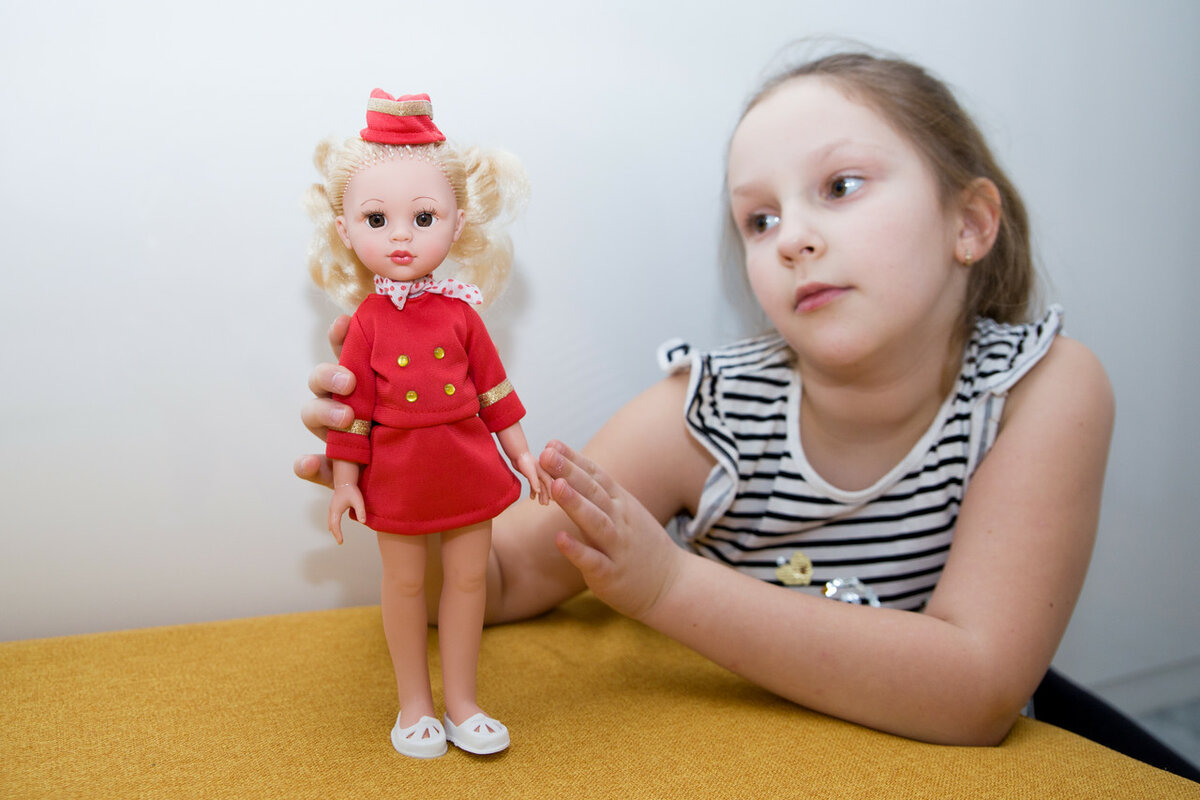 Куклы по профессиям. Кукла стюардесса Вероника.