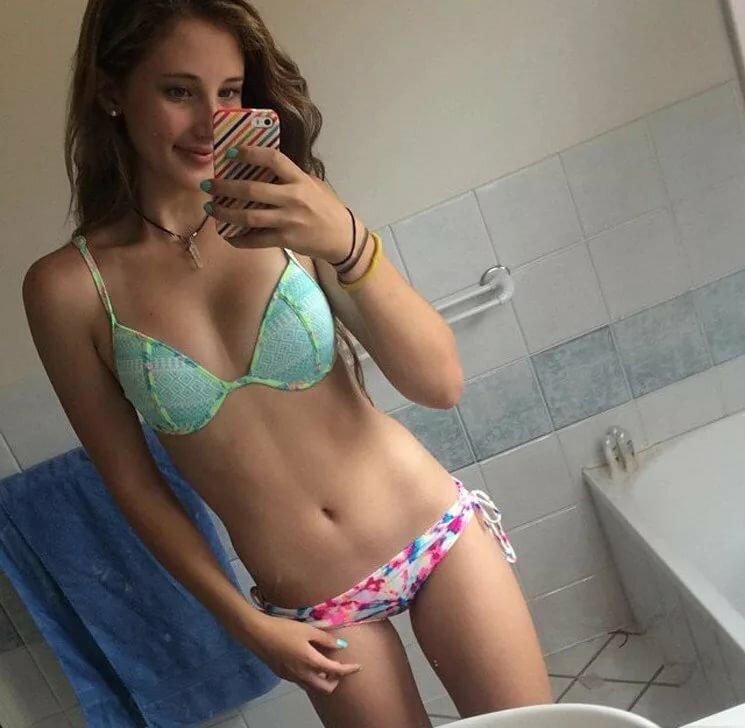 superheroine-videos-naked-petite-teen-in-shower
