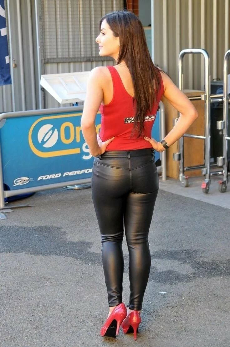 jolie-black-womens-tight-ass