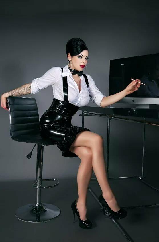 Фото мадам в офисах