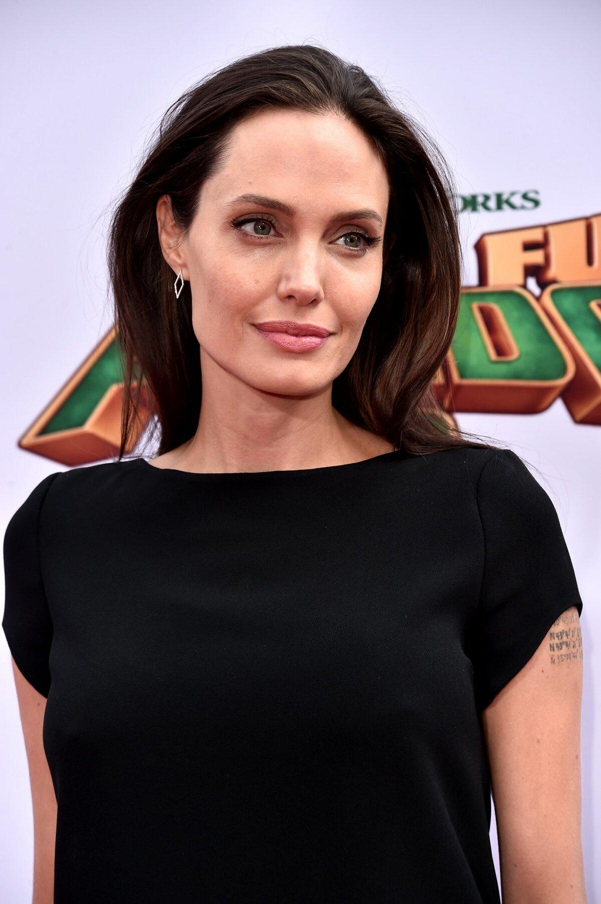 В 2016 году актриса поразила своей худобой - её вес достиг отметки 40 кг.