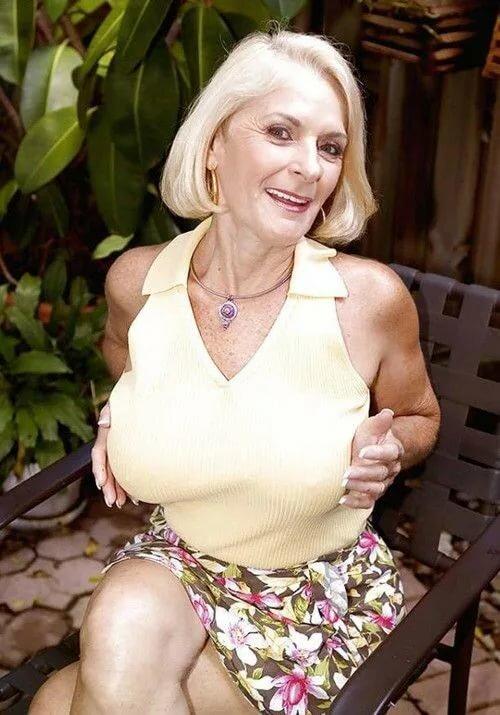 Dating nude older women girl shower naked