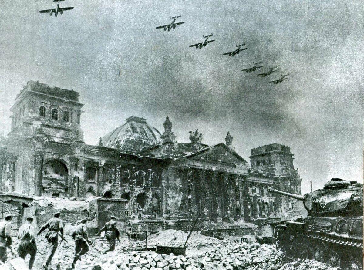 Um IS-2 defronte ao Reichstag em abril de 1945