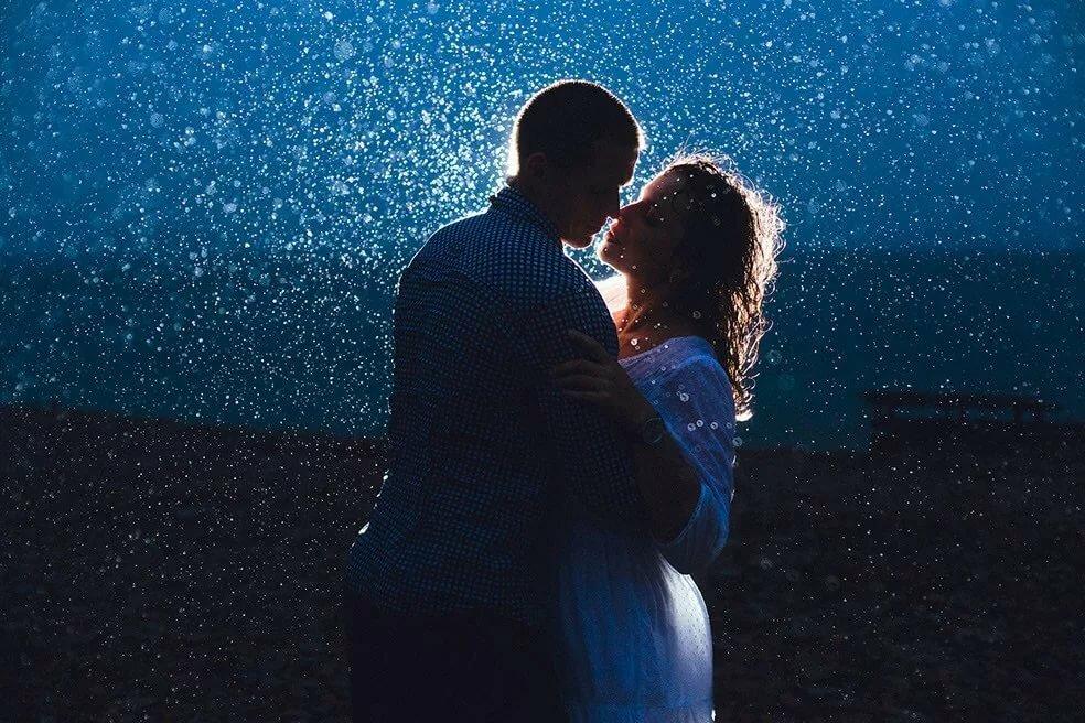 Поцелуй ночью картинки