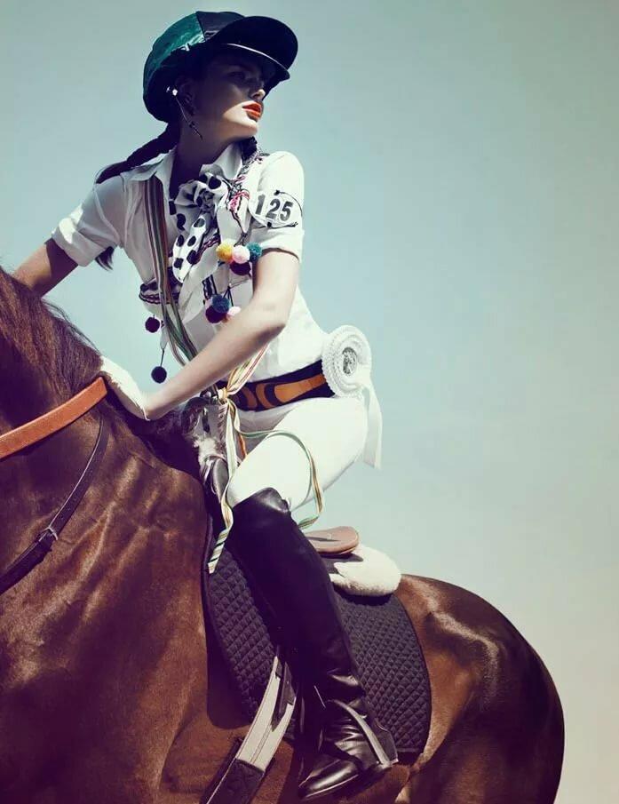 Картинки с девочками спорт конный магазин
