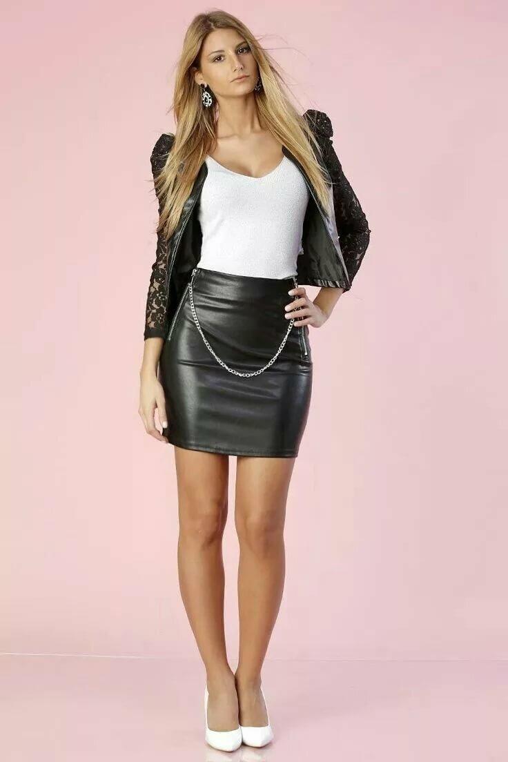 amateur-leather-mini-skirt