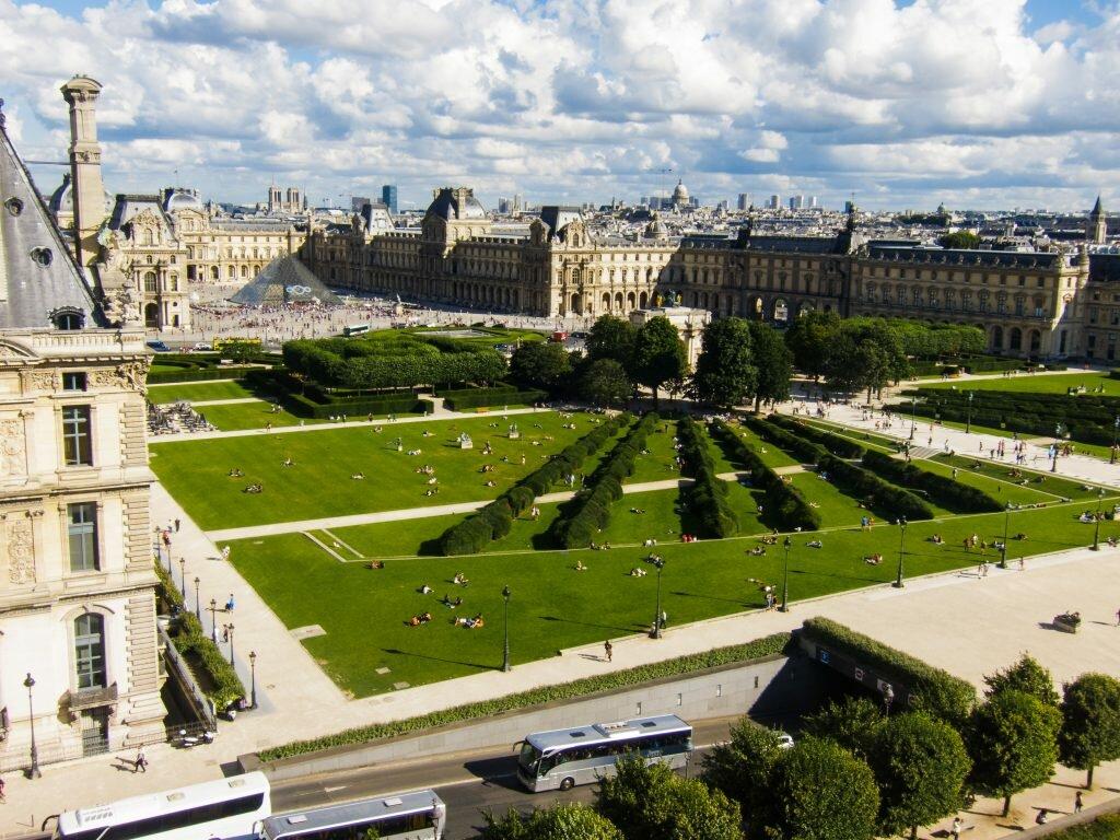 париж сад тюильри фото который покушался