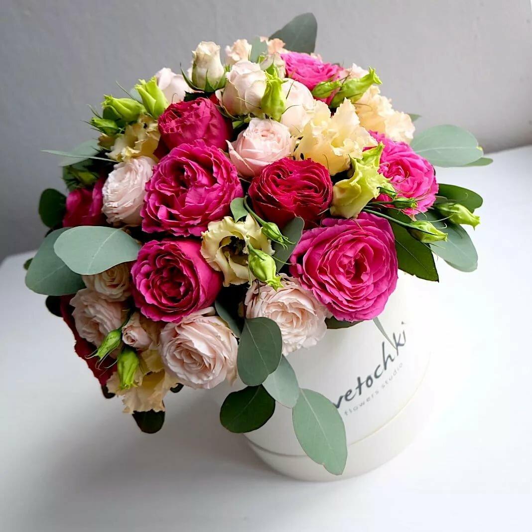 букет пионовидных роз фото в коробке