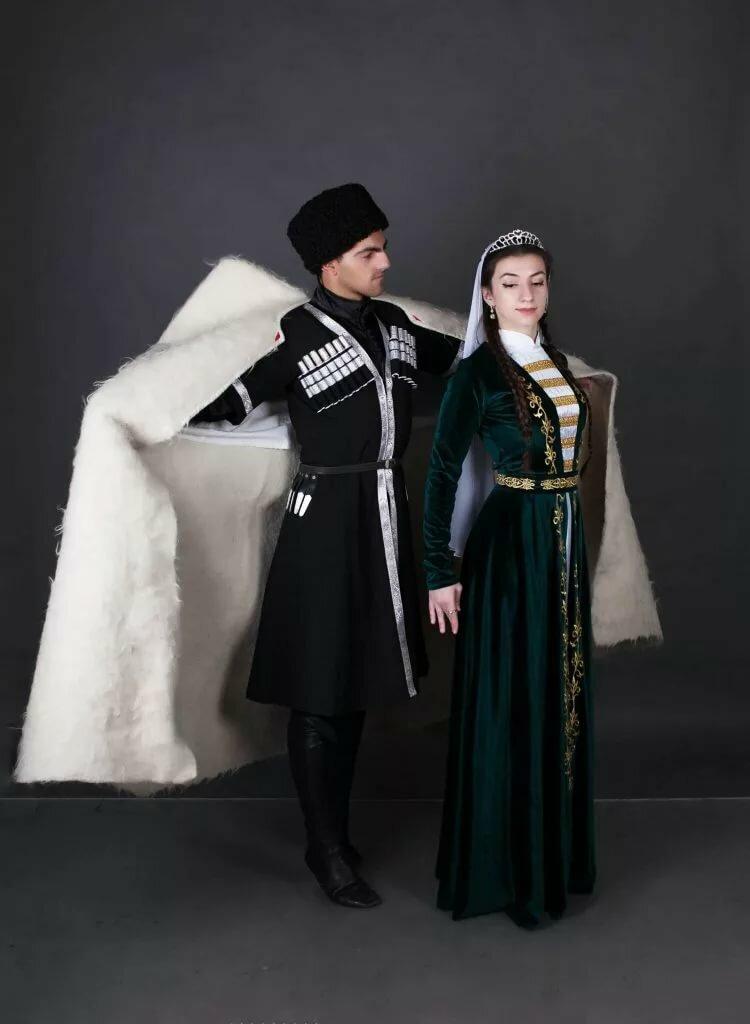 грузинский национальный костюм фото раз