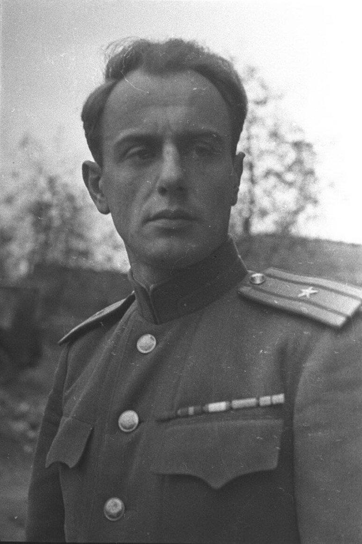 Евгений Долматовский, стихи о любви, стихи о войне