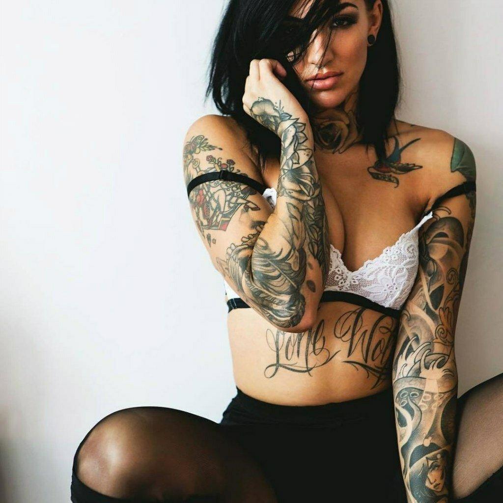 Латиночки с татуировками, игры секс сучки