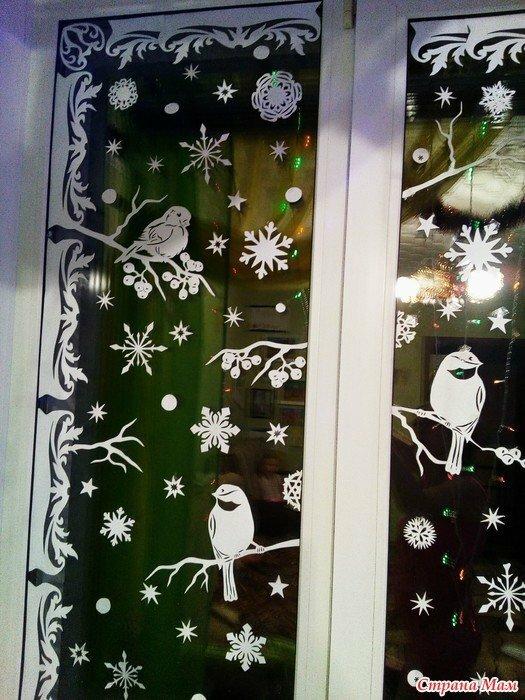 Украшения на окна из цветной бумаги к новому году