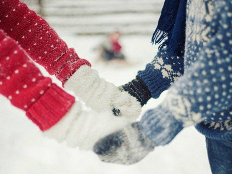 Картинка рука в руке зима