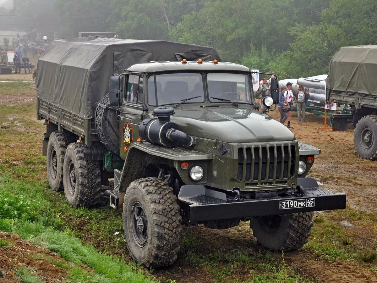 наслаждался свободой военные грузовики россии фото руки