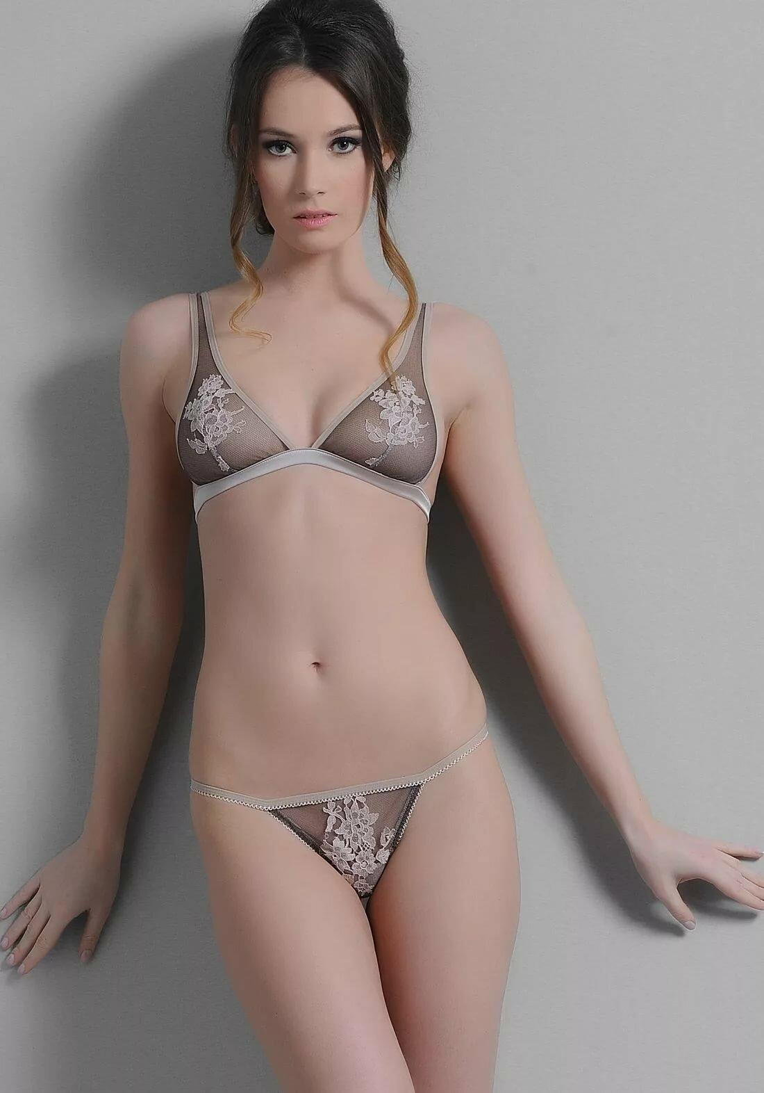 petite-female-models-nude-ultimate-lesbian-orgasm