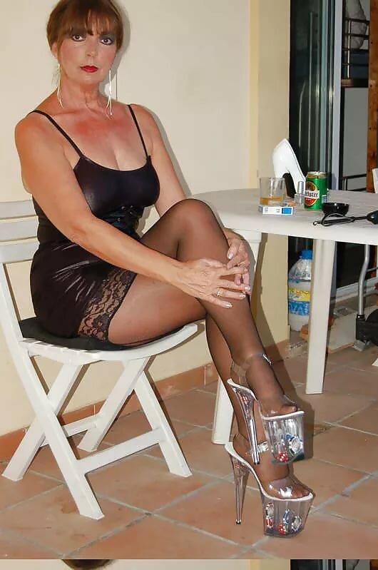 Nude mature female pics, maryess naked
