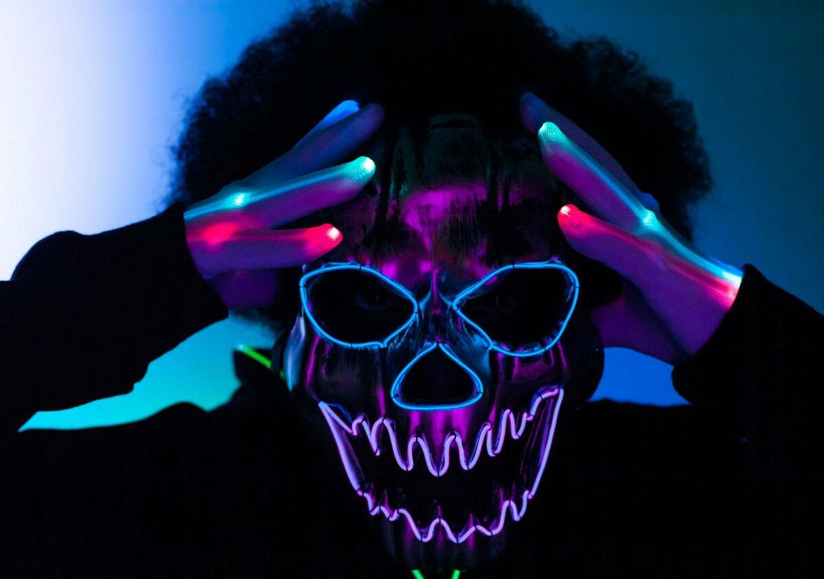 дирижабль, крутые картинки с маской светящейся фотографа понадобится