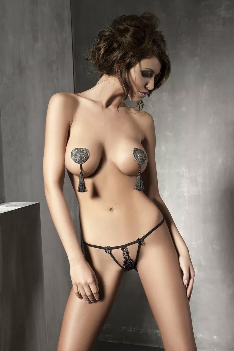 эротическое фото голых девушек без белья хватало