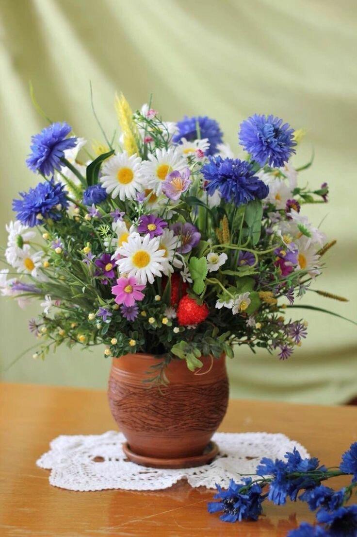 Фотографии букетов полевых цветов