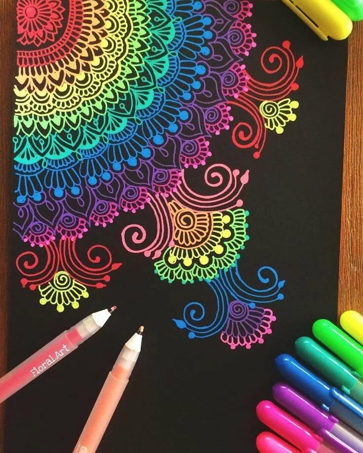 рассматривает прикольные рисунки цветными ручками папилломы