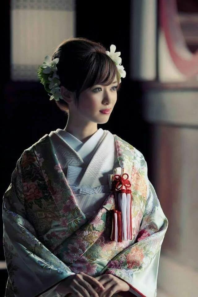 эти фото прически для японского платья бабы