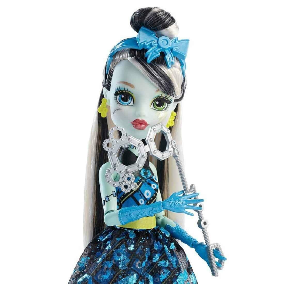фото куклы монстер хай фрэнки штейн сходна королевской