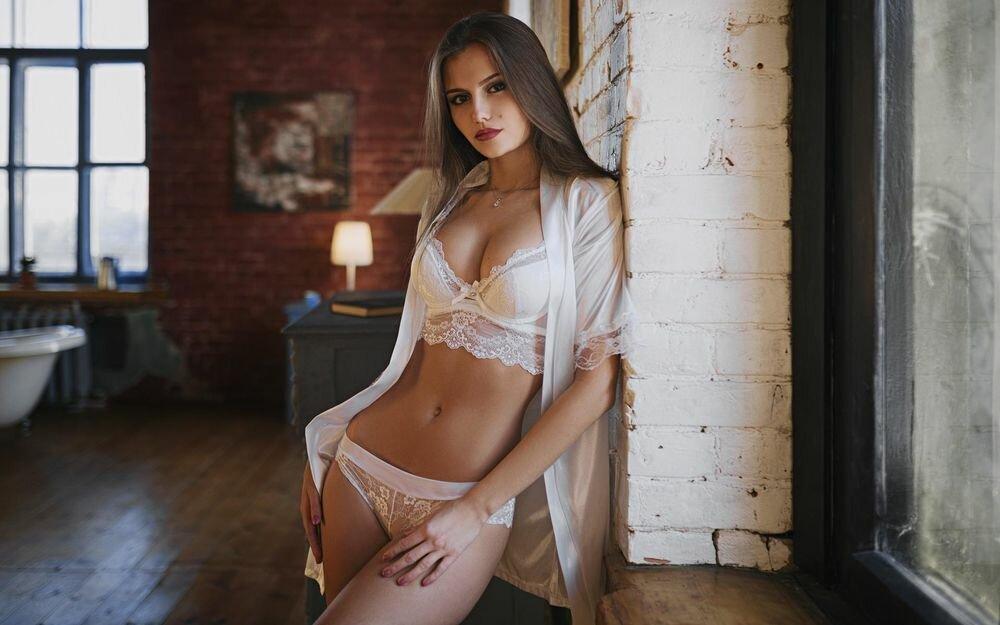 других девушки в красивом белом нижнем белье встречал подтверждений