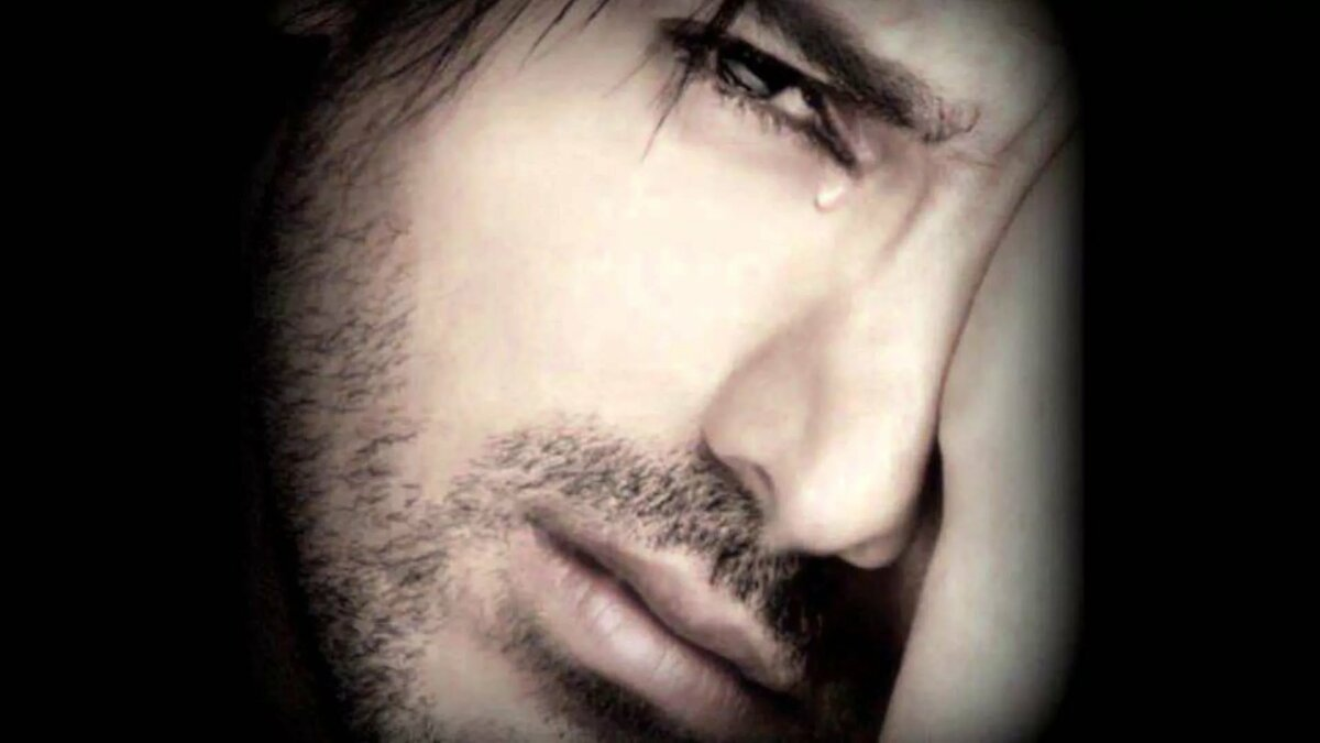 Картинка парень в слезах