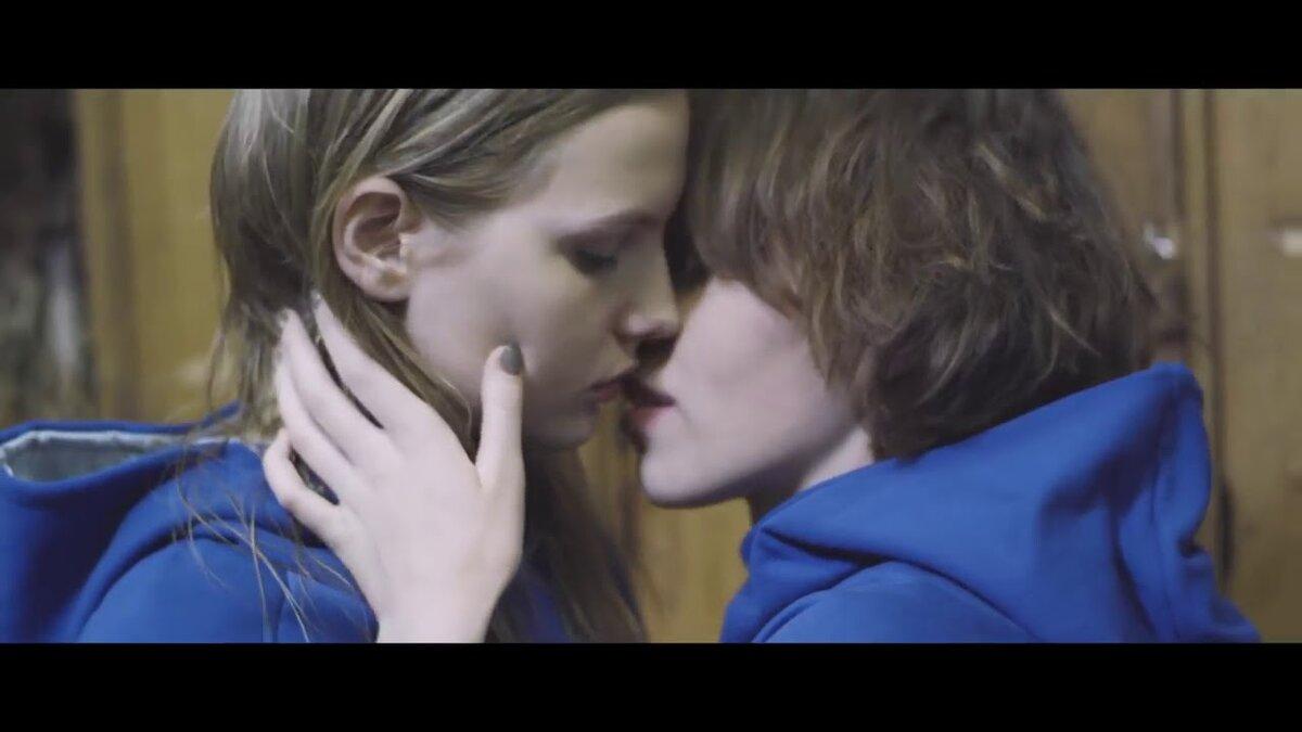 лесбиянки короткометражные фильмы пихает