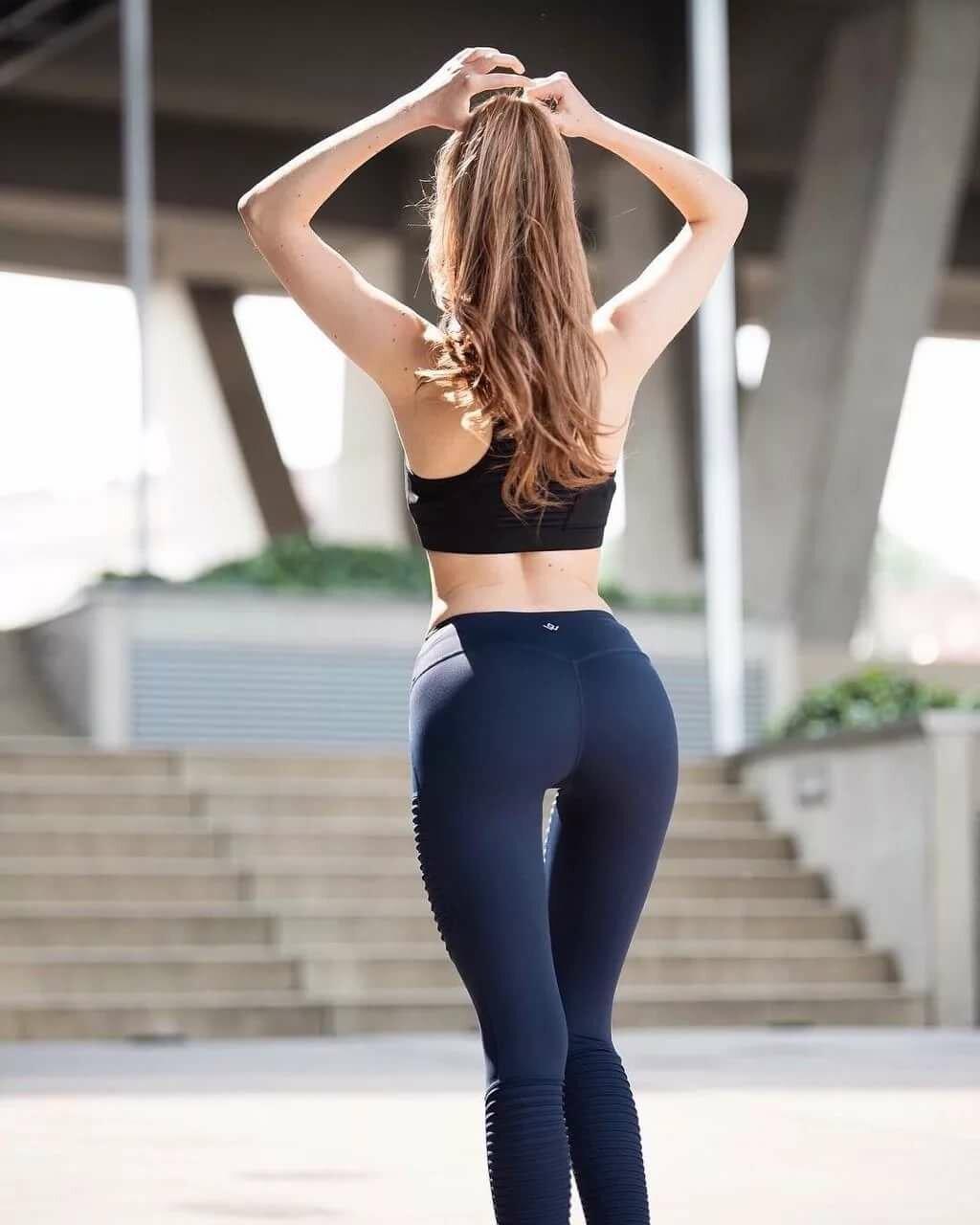 Hot yoga babe — photo 2
