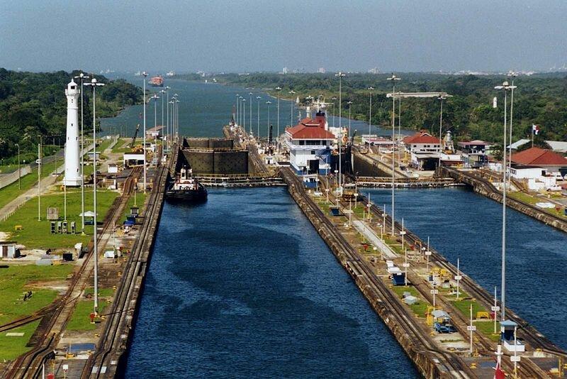 15 августа 1914 года через Панамский канал прошло первое судно